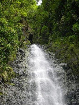 Fautaua Waterfall: waterfall at the three cascades
