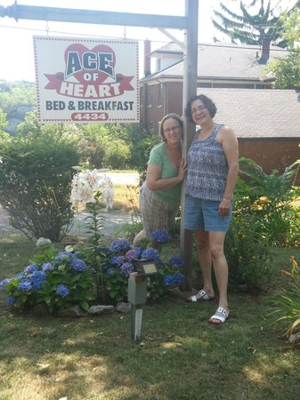 Ace of Hearts Bed and Breakfast: Beverly and Susie
