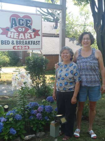 Ace of Hearts Bed and Breakfast: Beverly and Gail