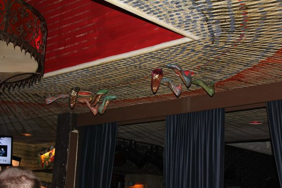 House Of Blues Restaurant Bar Female Jazz Artist Shoes Ceiling