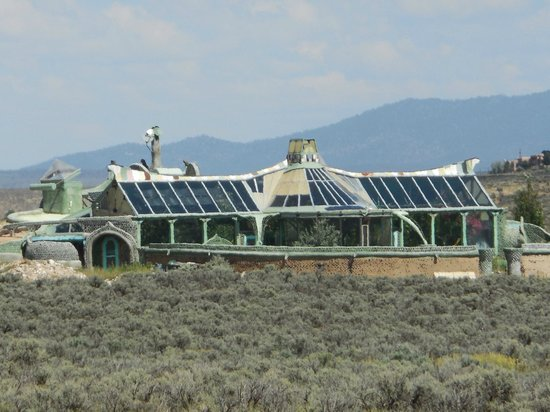 Taos Visitor Center: Private Home in Earthship complex near visitors center