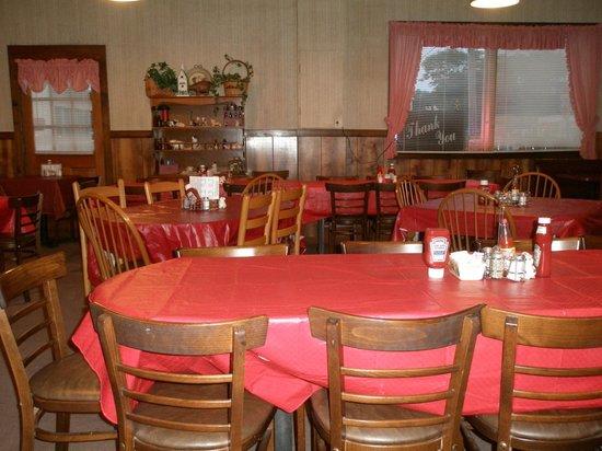 Big Bill's Low Country Bar-B-Q: Dining Room