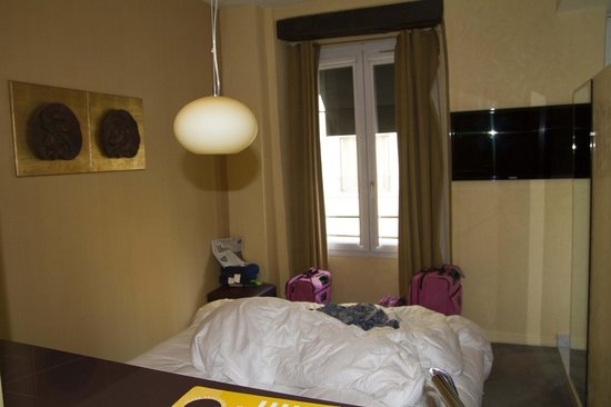 Artus Hotel by MH : bedroom