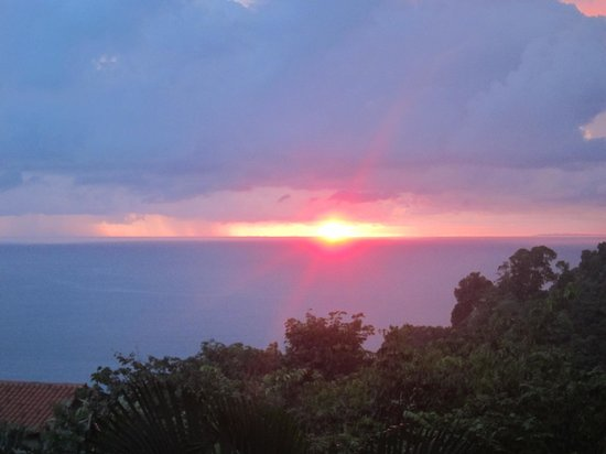 Tulemar Bungalows & Villas: Sunset View from Casa Panorama South Lower