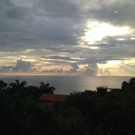 Tulemar Bungalows & Villas: Sunset from Casa Panorama South Lower