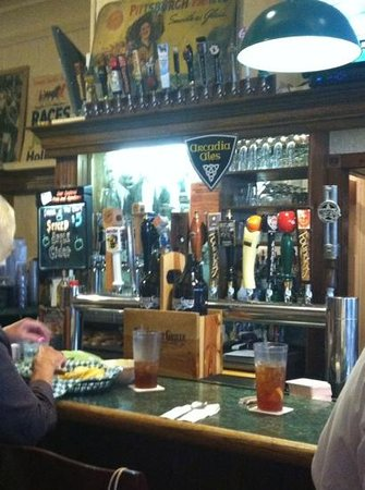 8th Street Grille: A nice selection of taps at the bar.