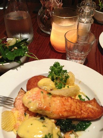 The African: Salmon main course