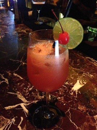 EON Heli Bar: Maitai cocktail