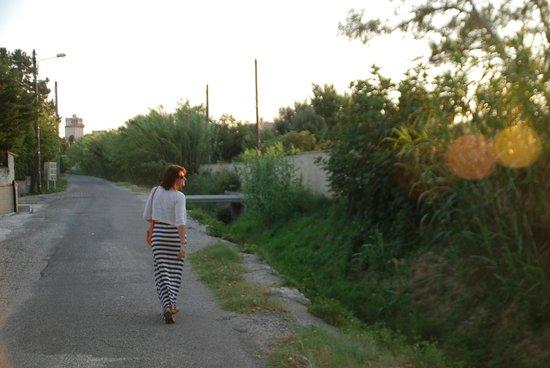 Domaine du Moulin: walk to town