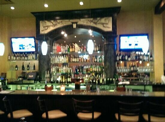 Galo's Italian Grill: the bar