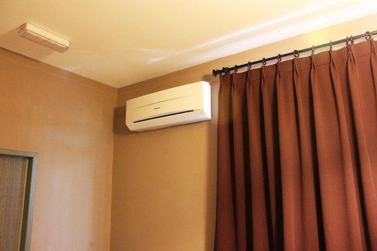 T Hotel : Air cond