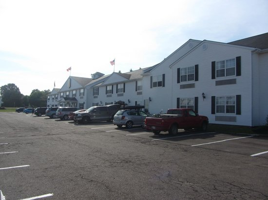Quality Inn & Suites: Outside
