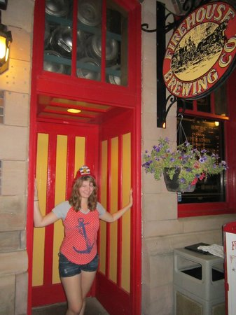 Firehouse Brewing Co. : The entrance