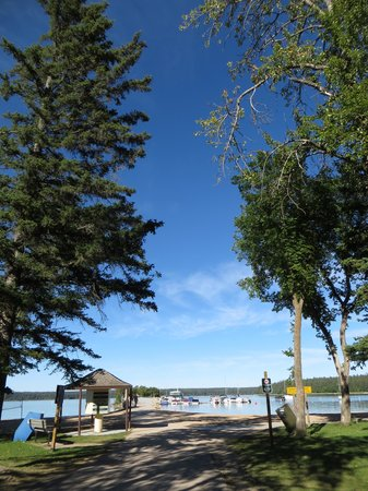 Riding Mountain National Park : Clear Lake beach in Wasagaming