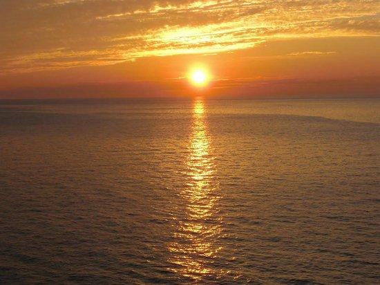 Rusty Anchor Restaurant: Pleasant Bay, Cape Breton Nova Scotia sunset!