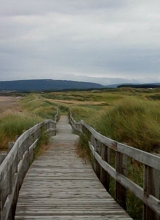 Cabot Links Golf Course: Boardwalk in Inverness