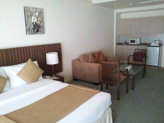 Ramada Beach Hotel Ajman: Room