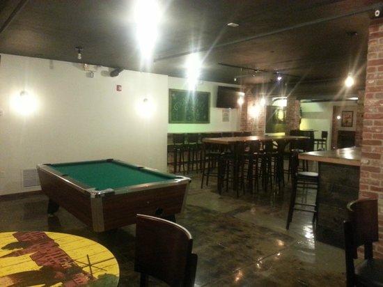 O'Donovan's Restaurant & Pub : Pool and Darts