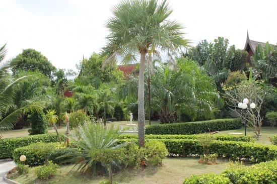 Natural Samui Hotel: garden