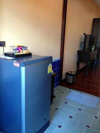 At Chiang Mai Hotel: Room 210 Refrigerator