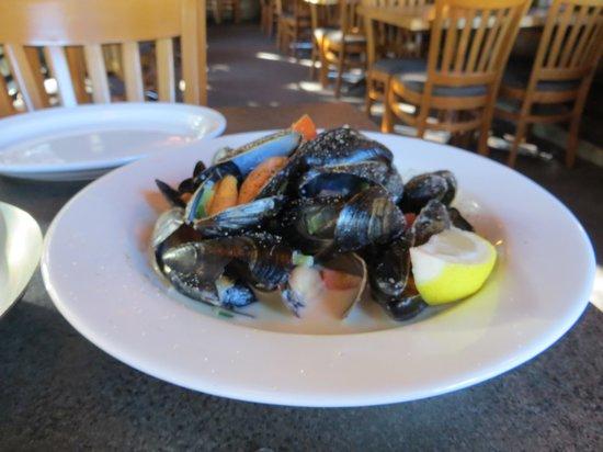 T R McKoy's: Mussels appetizer