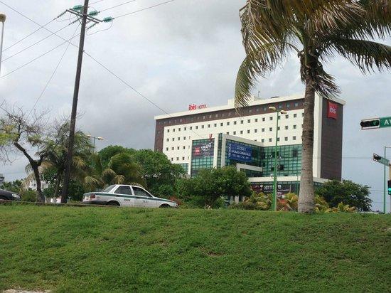 ibis Cancun Centro : Ibis Hotel, Cancun Mexico