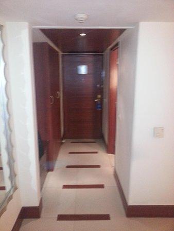 Sarovar Portico - Indore : room