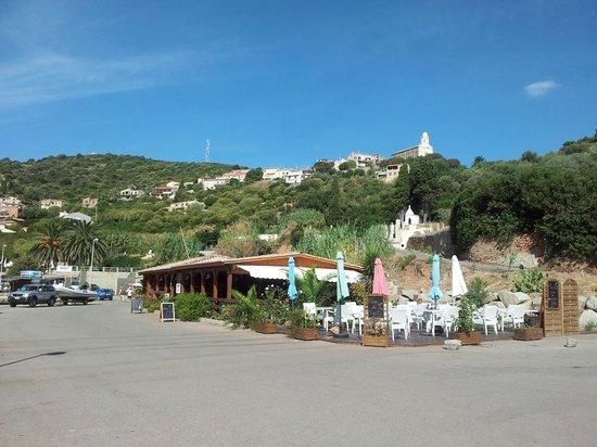 U Rasaghiu: Vu du bord du port