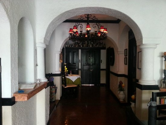 Casa Sirena Hotel: Ground floor entrance area