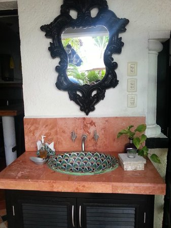 Casa Sirena Hotel: The sink in the breakfast area.