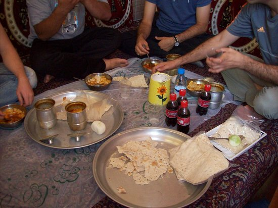 Viuna Hotel: Disey traditional Iranian food