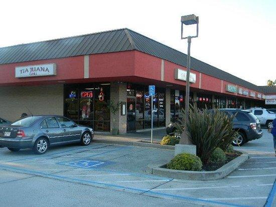 TIA Juana Restaurant: front from corner