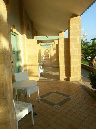 Hotel Venus Sea Garden : camere bordo piscina