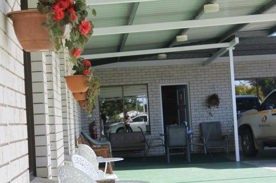 Cara Motel: verandah