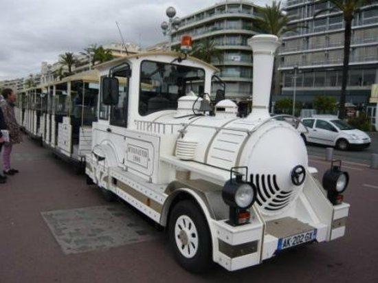 Trains Touristiques de Nice: かわいい列車