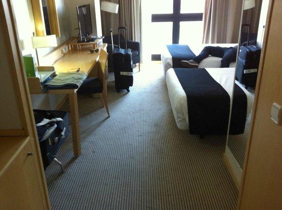 Hotel Alameda Plaza: ROOM