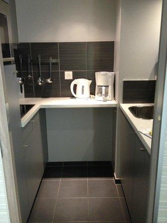 Aparthotel Adagio Basel City : Kitchen
