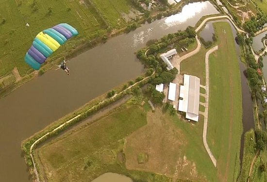 Bird's Paradise Skydiving: skydiving at Bird's paradise extreme resort