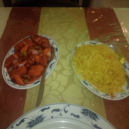 Sweet and sour chicken and noodles - Picture of Jade Garden Chinese ...