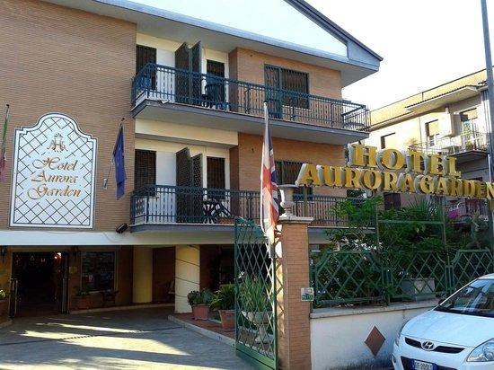Aurora Garden Hotel : L'ingresso