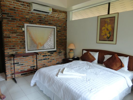 Green View Village Resort: AC/Bed