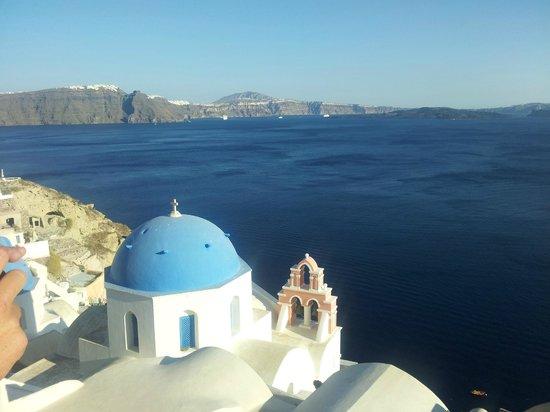 Acqua Vatos Santorini Hotel: stunning Oia