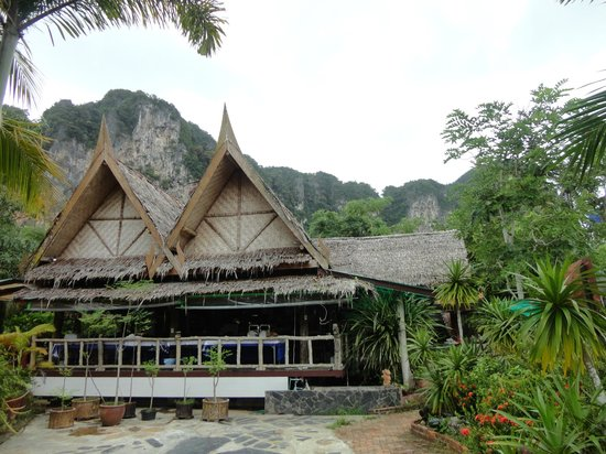 Green View Village Resort: The cliff view