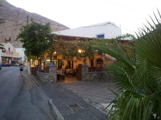 Acqua Vatos Santorini Hotel: Sellada best Greek Taverna
