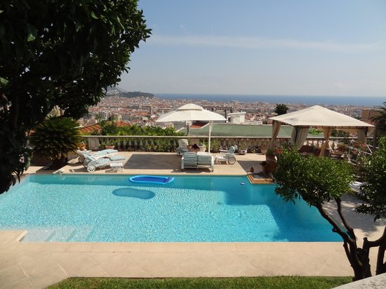 Vista Azzurra : The pool and the view