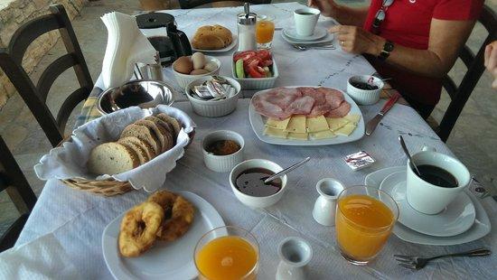 Nana Apartments : Petit dejeuner copieux !