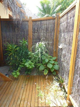 Etu Moana: Outdoor shower