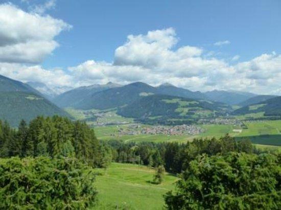 Alpin Panorama Hotel Hubertus : Blick vom Zimmer Richtung Osten