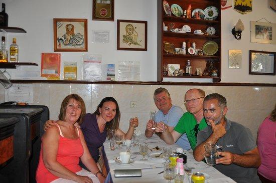 Sagres Discovery Tours: La comida del Grupo...buena, bonita y barata!!