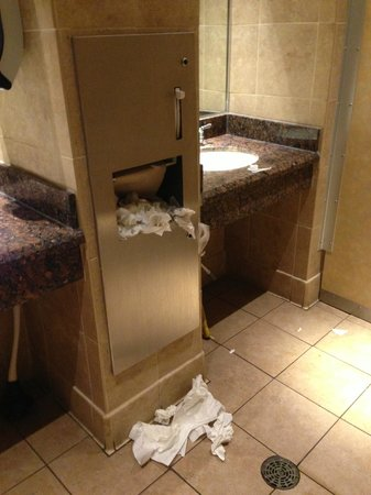Red Lobster: Filthy bathroom...